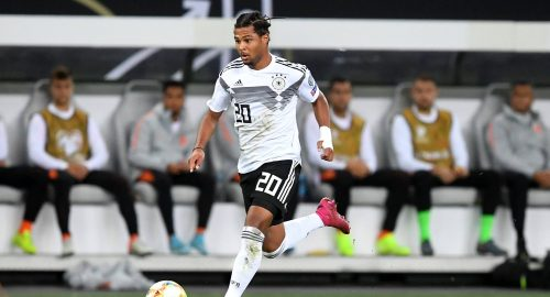 Serge Gnabry (Deutschland), am Ball Deutschland - Niederlande Europameisterschaft-Qualifikationsrunde für Europa-Meisterschaft 2020, UEFA Championship Qualifying, EM-Qualifikation 2019/2020, Fussball, Fußball, soccer, Männer, men, Herren Hamburg, 6.6.2019 *** Serge Gnabry Germany , am Ball Germany Netherlands European Championship Qualification round for European Championship 2020, UEFA Championship Qualifying, EM Qualification 2019 2020, Football, Soccer, Soccer, Men, Men, Men Hamburg, 6 6 2019